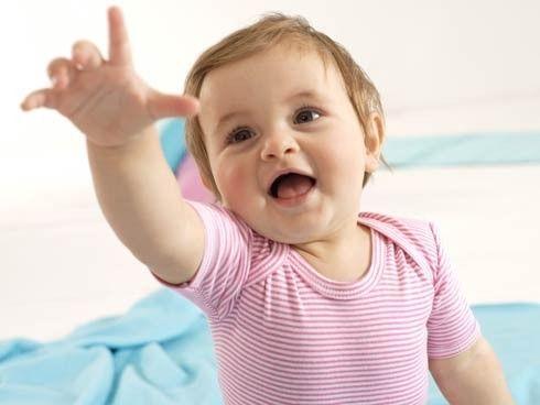 Cuando los bebés comienzan a hablar tratan de decir las palabras que escuchan, por ello sus primeras palabras serán mamá, papá, leche, si y no. Estimula el habla en tus hijos con juegos didácticos y juegos infantiles http://www.linio.com.co/juguetes-y-bebes/bebes?utm_source=pinterest&utm_medium=socialmedia&utm_campaign=COL_pinterest___ninosbebes_aprenderahablar_20140506_19&wt_sm=co.socialmedia.pinterest.COL_timeline_____ninosbebes_20140506aprenderahablar.-.ninosbebes