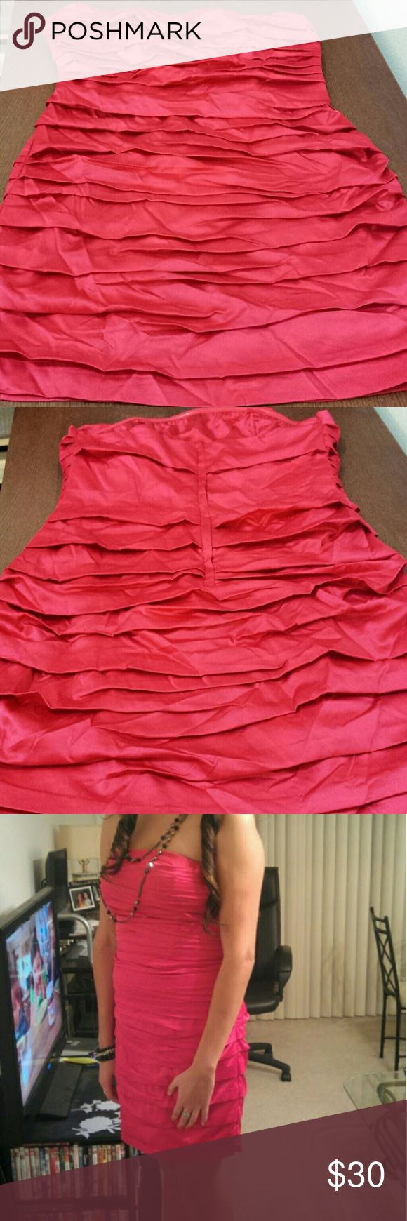 Strapless Layered Red Dress Hidden zipper in good condition  No snags, also have straps to go with it, never used them. Lenght 27 in Wore once to a New Year's Eve Party Express Dresses Strapless