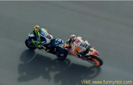 Valentino Rossi Wins In Argentina MotoGP Grand Prix After Marquez Crashes Out by http://www.funnynlol.com/trending/valentino-rossi-wins-in-argentina-motogp-grand-prix-after-marquez-crashes-out