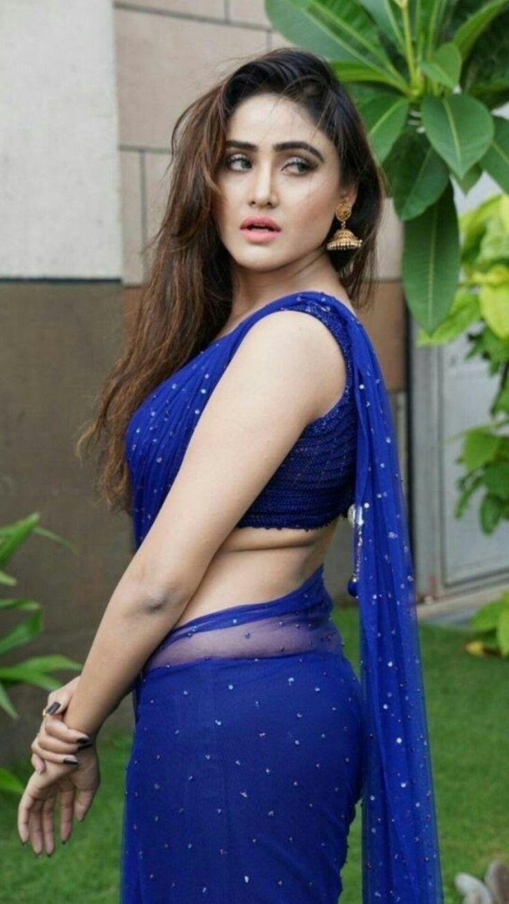 Actress and Girls Photo Gallery: Shraddha Das Mini Skirt