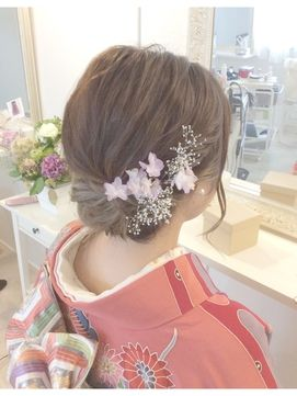 ヘアセット&メイク・ブライダル専門店 ローラ(Rola)華やか生花を使った着物にあうアップスタイル♪
