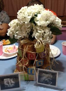 centerpiece for baby shower: Centerpiece Ideas, Centerpieces Ideas, Blocks Centerpieces, Baby Blocks, Pieces The Vintage Milk Houses, Block Center, Center Pieces, Baby Shower