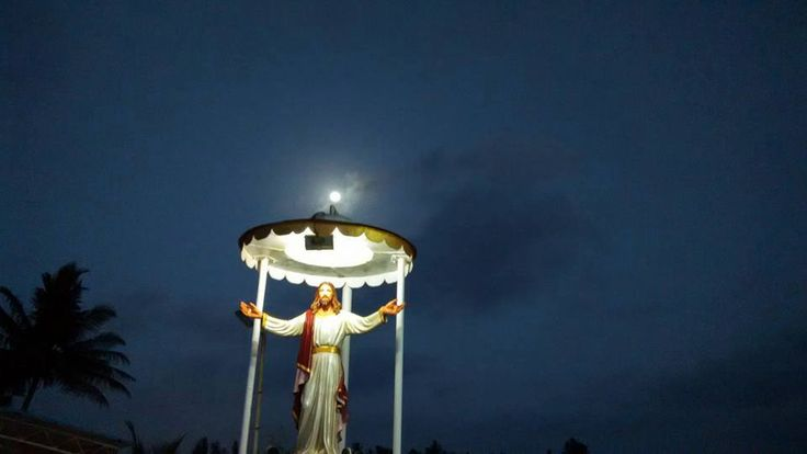Statue of Jesus at Rajodi Beach, Virar West.  Photo By : Aldrin Diaz