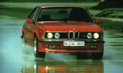 1977 BMW introduces its first model developed by the Motorsport industry, the M1. The engine developed for it, is a 6-cylinder inline 24-valve with a displacement of 3.5 liters and an output of 277 horses. 1983 BMW Frankfurt presents its response to the Mercedes 500 SEC: BMW M635 CSi.