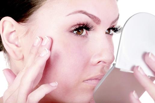 Artículo Manchas en la cara: importancia del diagnóstico para seleccionar el mejor tratamiento. El Dr. Sergio Vañó, dermatólogo Madrid en ConsultaClick