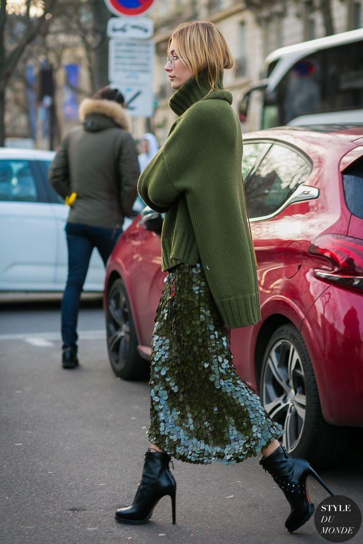 Hailey Baldwin by STYLEDUMONDE Street Style Fashion Photography... - Street Style