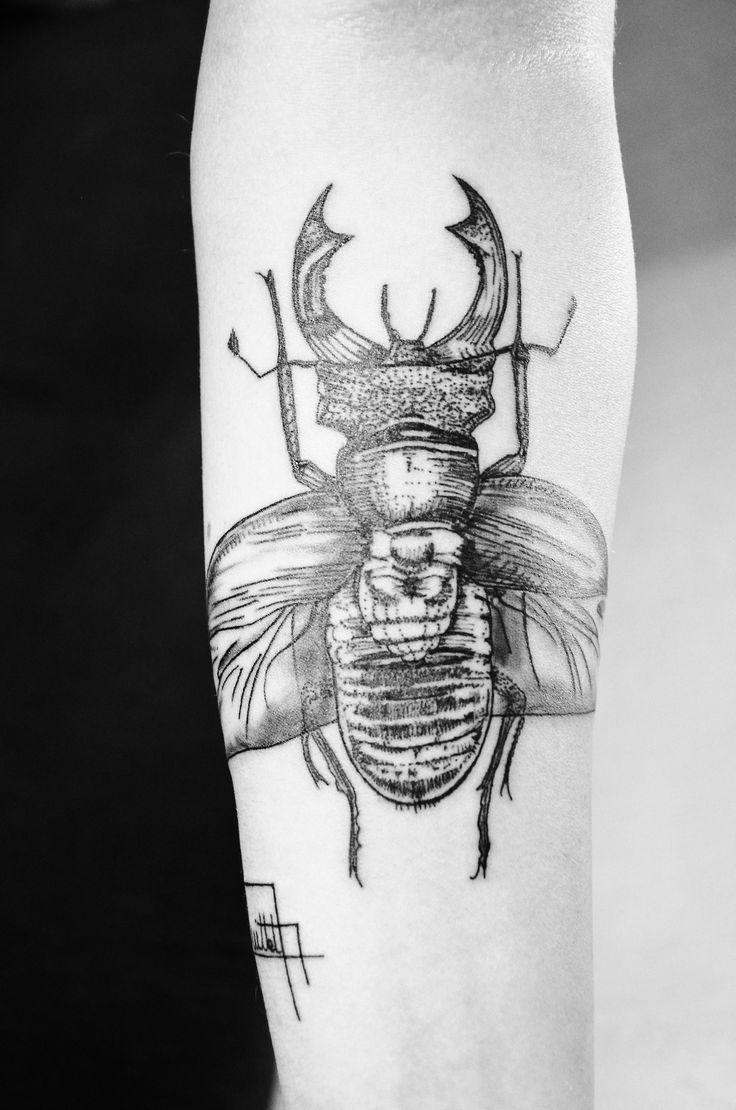audrey-timberwolf:  Tattoos insectes Audrey Quittet http://audrey-timberwolf.tumblr.com/