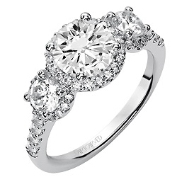 Three Stone Diamond Engagement Ring------WOW THIS LOOKS JUST** like the one Jeremy bought me...SWEET