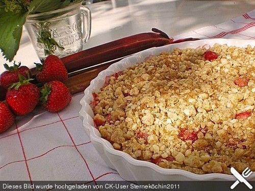 Erdbeer-Rhabarber-Crumble