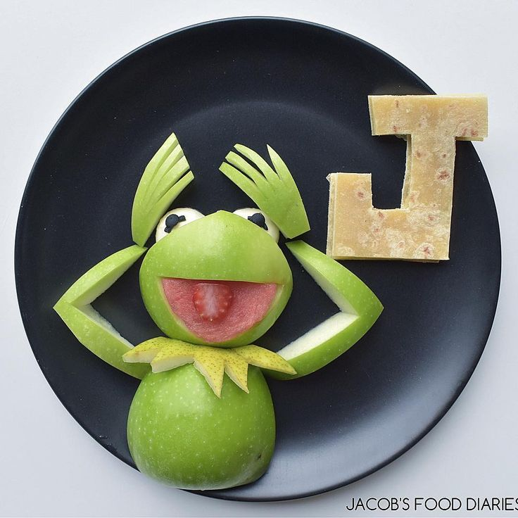 KERMIT THE FROG Apple with cheese and wholemeal wrap by JACOB'S FOOD DIARIES (@jacobs_food_diaries)