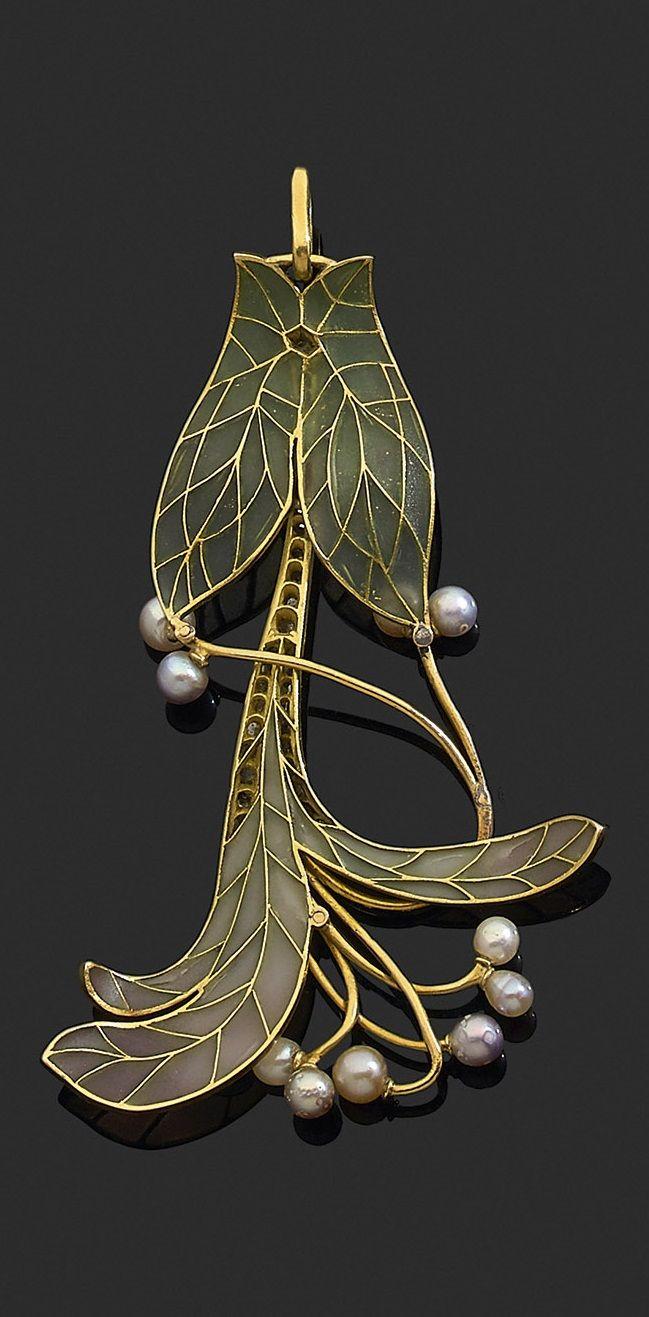 Vever - An Art Nouveau gold, plique-à-jour enamel and pearl pendant, early 20th century. Signed Vever Paris.