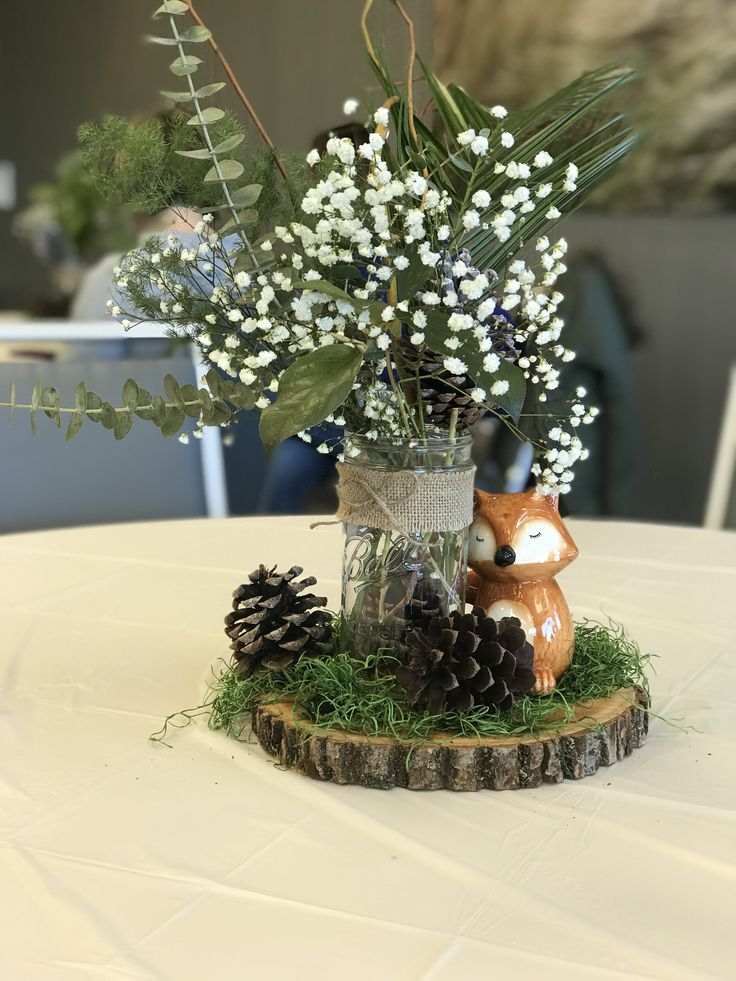 Woodland Themed Centerpiece In 2019 Baby Shower Fall