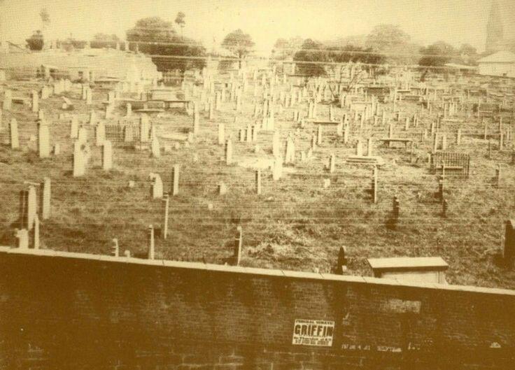 Devonshire Street Cemetery,Sydney in 1901.    ⛪