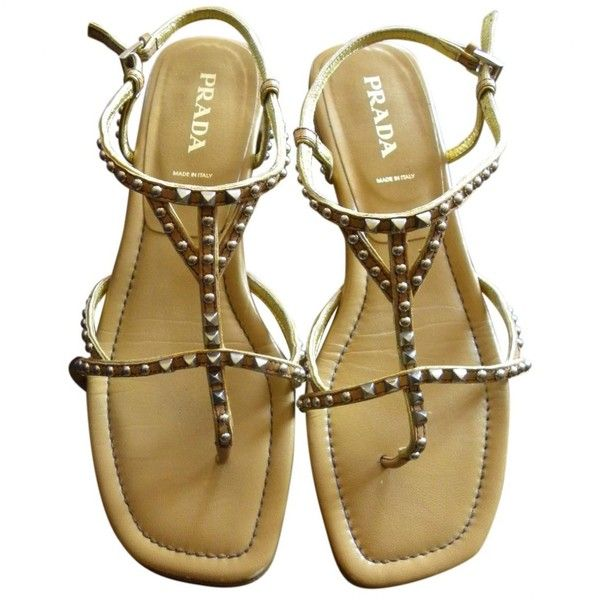 Pre-owned Prada Leather Flip Flops (€200) ❤ liked on Polyvore featuring shoes, sandals, flip flops, camel, women shoes sandals, leather flip flops, leather shoes, leather footwear, leather sandals and prada