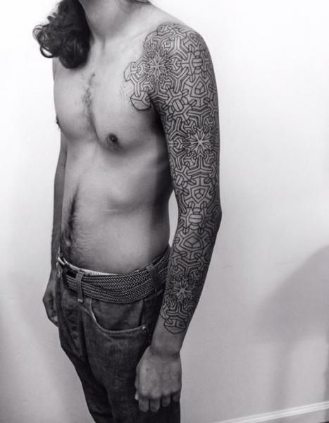 Tatuaż Geometryczny Rękaw przez Corey Divine