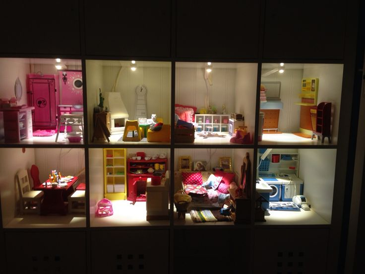 Barbiehus i Ikeas Expedit 2015