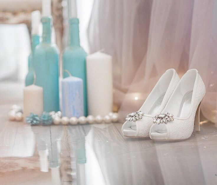 Lace wedding shoes with crustal