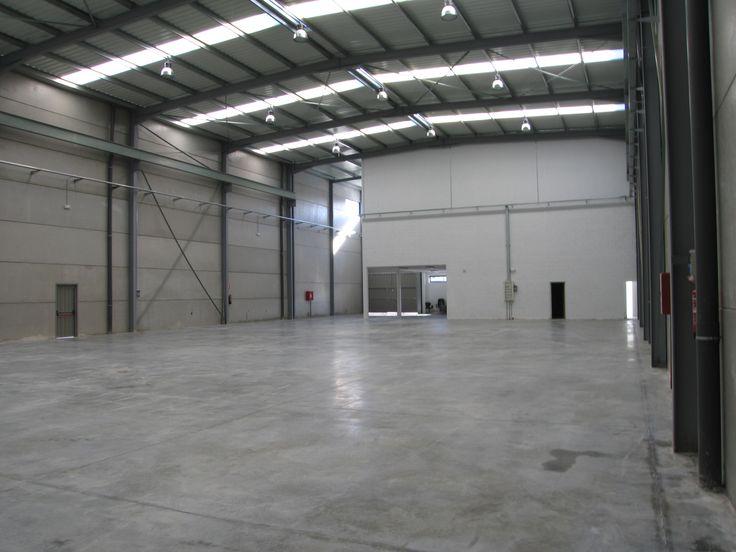MICRA SOC. COOP. LTDA Empresa dedicada a la fabricación y producción de mecanizados. Nave de 1.500 m2 en la Localidad de Alcalá de Henares, construida en el año 2005. www.tekton.es/