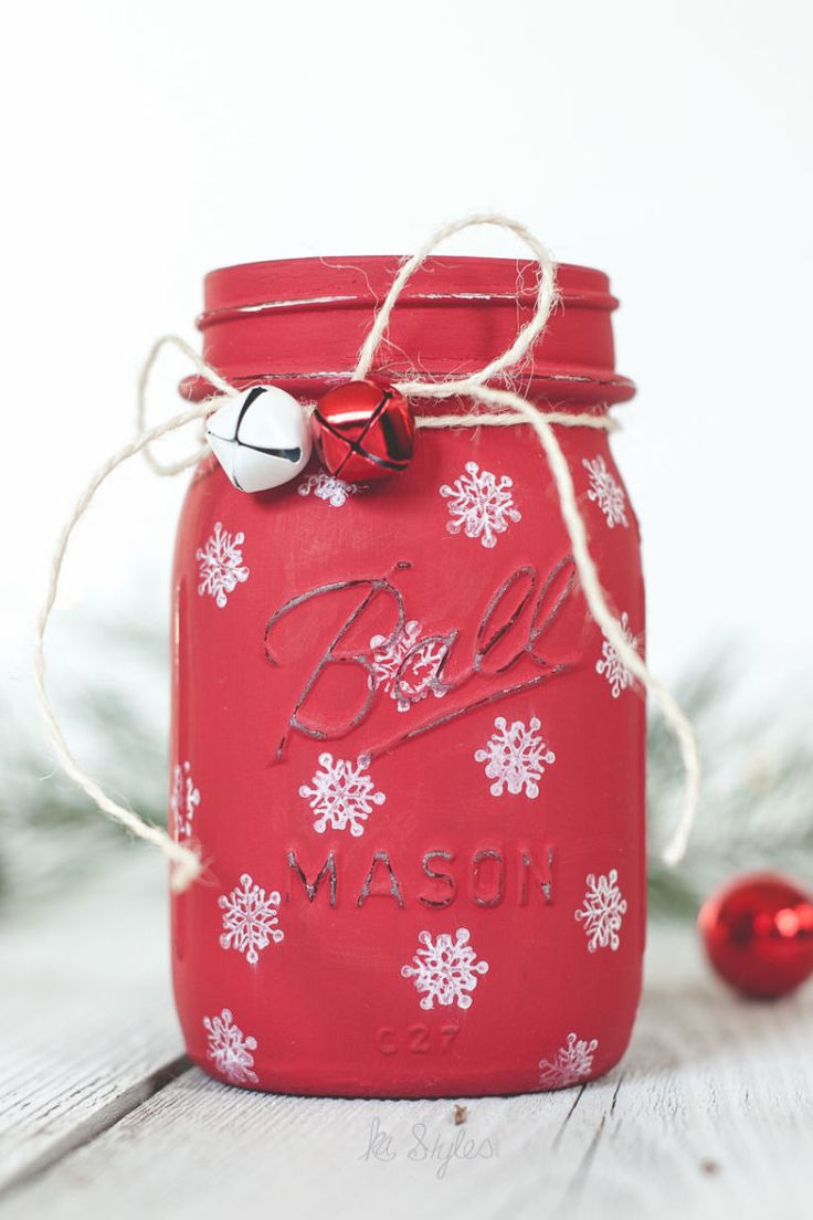 Snowflake Mason Jar Luminary, reverse and do white with red snowflakes?? Or green background?