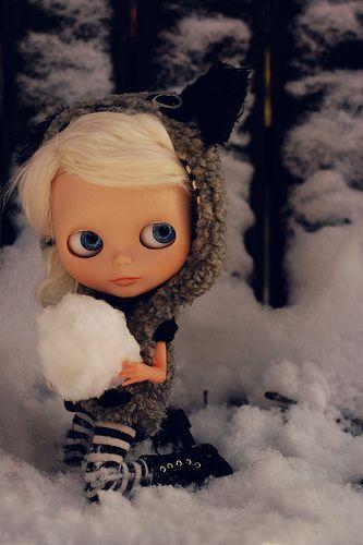 54 best bedroom dolls images on pinterest blythe dolls for Blythe le jardin