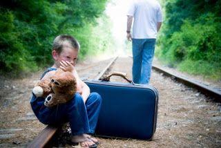http://aagora.blogspot.com.br/2011_07_01_archive.html =....O corte e o enfraquecimento das relações familiares representa antes decadência, individualismo extremo, e talvez explique em parte a alta taxa de suicídios na região. A referência paterna, o apoio familiar em ocasiões de crise, a inculcação de valores de pais para filhos é vital para qualquer desenvolvimento são.  ) JUL 29, 2011 - A falta que um pai faz...)