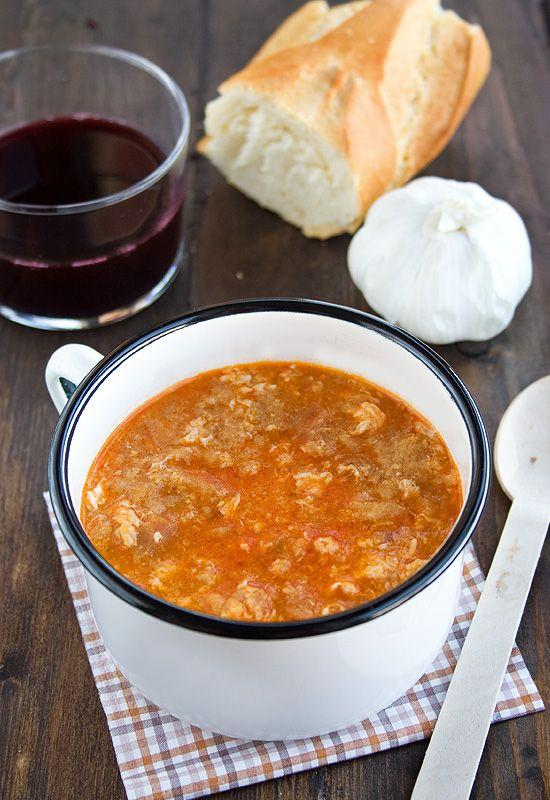 Sopa de ajo con huevos  receta