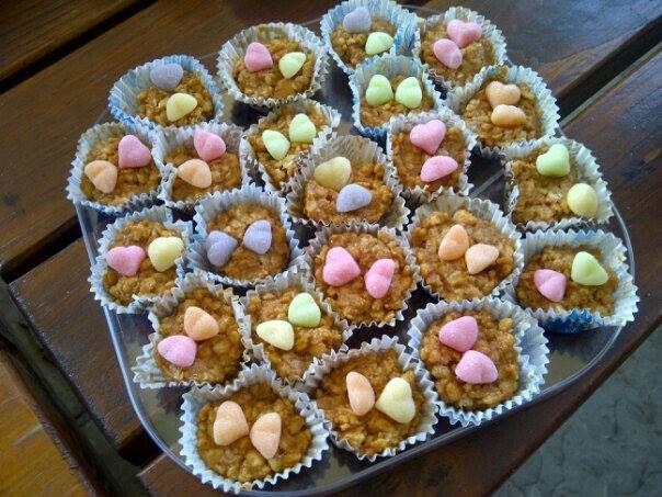 Caramel rice scrispies treats