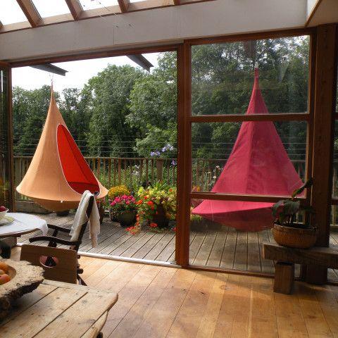 Cacoon Hängezelt: Hang In Out Liefert Das Hängende Zelt Für Den Garten    Bestellen Sie Ihren Schaukelsessel Für Terrasse U0026 Balkon Im Ikarusu2026design  Shop!