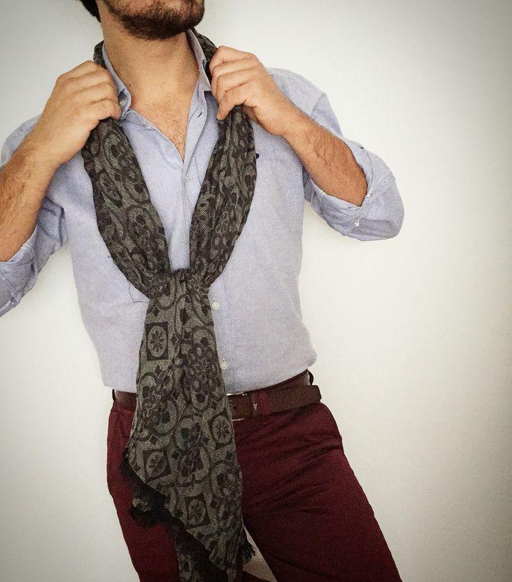 Look para este lunes!  Camisa Oxford celeste Pantalón granate Foulard gris  www.shalp.es  #shalp #dapperman #dappermensfashion #dapper #modamasculina #modahombre #moda #men #menwear #menstyle #menswear #menfashion #mensfashion #mensstyle #menwithstyle #mensfashionpost #fresh #fashion #preppystyle #preppy #styles #style #stylish #shalpers #shalp