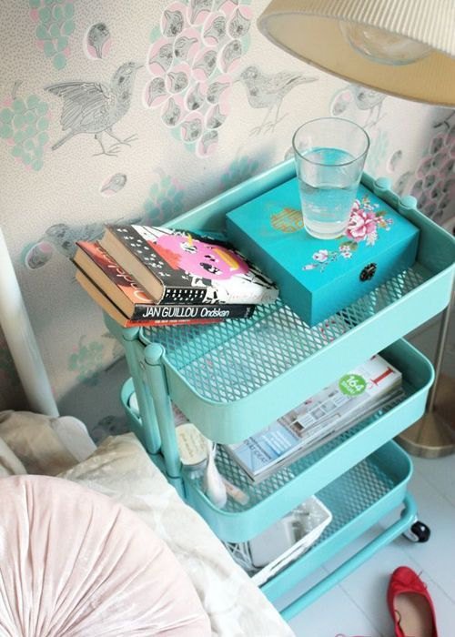 DIY 30 idées de table de nuit en récup. Créez votre table de chevet maison avec des objets recyclés pour une décoration vintage.