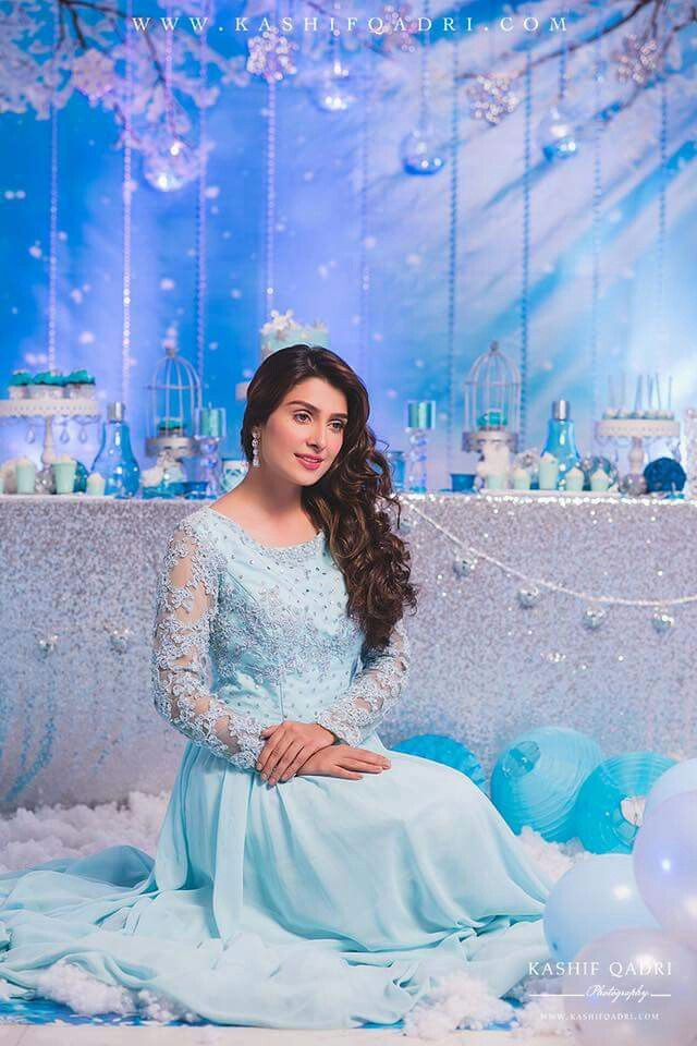 Gorgeous & Beautiful Ayeza Khan