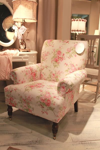 SHABBY CHIC® Cambridge Chair. Shown in Washed Rose Chintz Measurements: cottagechicstore.com LOVE the fabric print!