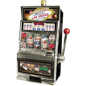 Ces jeux de  machine a sous en ligne ne nécessitent aucun type de compétences ou de connaissances et sont purement basé sur la chance