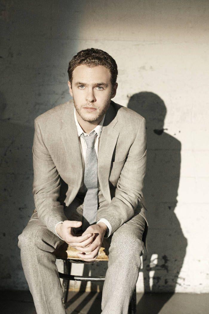 Iain De Caestecker as Agent Leo Fitz in #AgentsOfSHIELD - Season 3