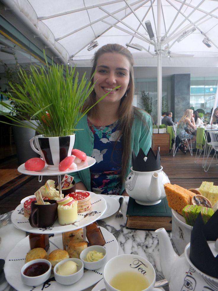 London Afternoon tea, Sanderson, Alice in Wonderland