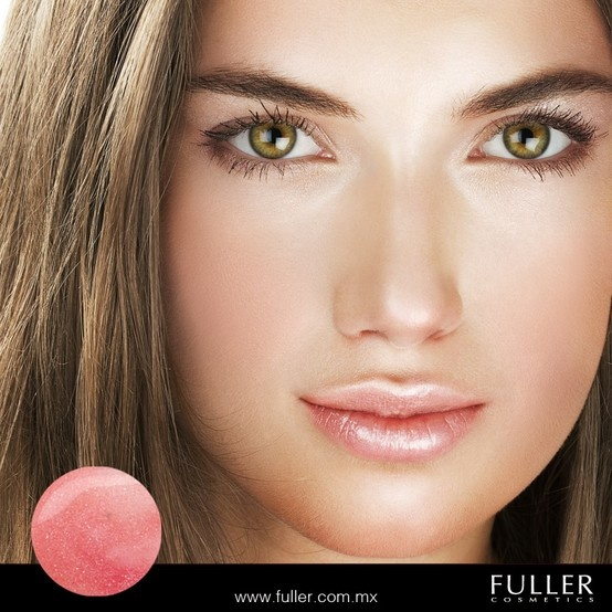 Da a tus labios un toque de color y brillo con el lip gloss SWEET CANE de A. D.