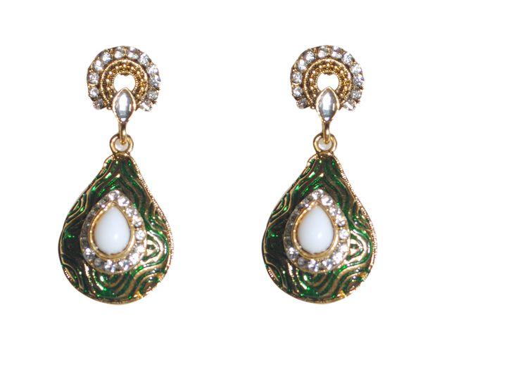 green teardrop shape traditionalearrings