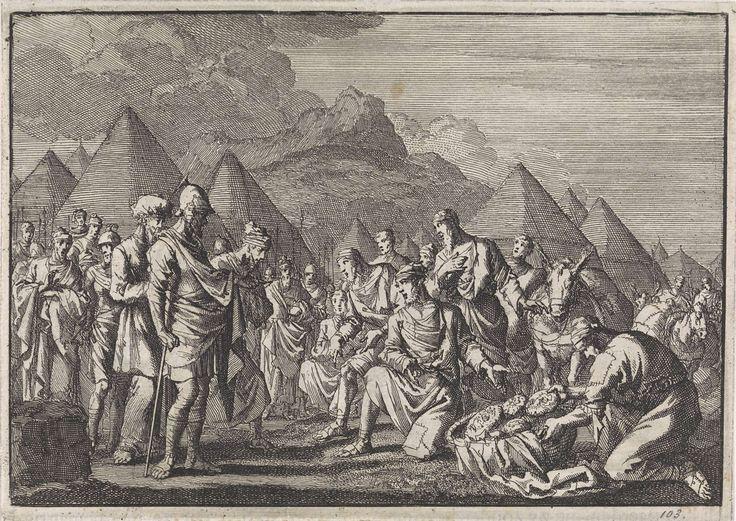 Jan Luyken | De Gibeonieten tonen Jozua hun beschimmeld brood en hun oude kleren, Jan Luyken, Pieter Mortier, 1704 |