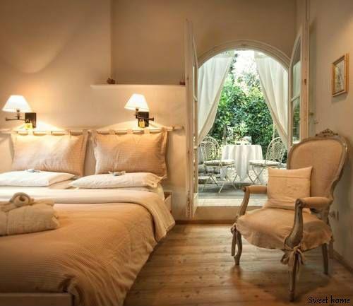 Romantiline magamistuba. Idee voodipeatsiks.