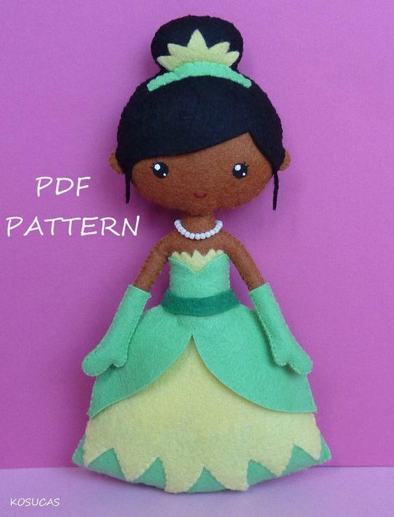 PDF sewing pattern to make felt doll inspired in Tiana. por Kosucas: