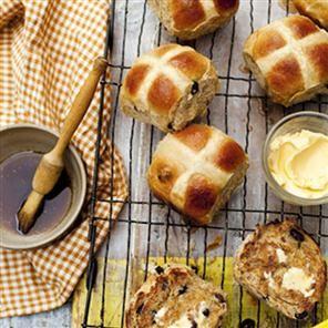 Great Easter morning breakfast idea: Hot cross buns