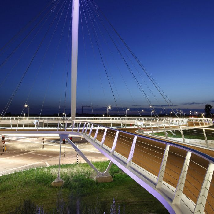 Hovenring by night, Eindhoven