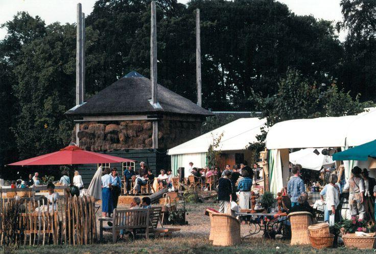 20 jaar Landgoedfair. Dit is de Landgoedfair in het tweede jaar dat het georganiseerd werd (1995).