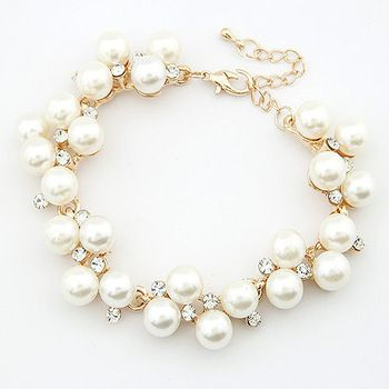 The Elegance is in Pearls!