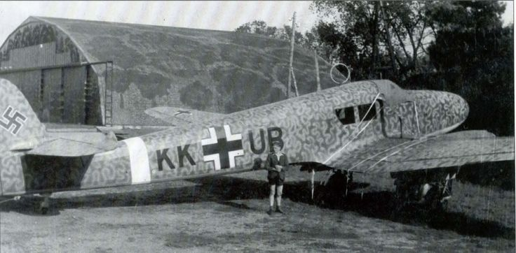 Aircraft - 1943, Allemagne, Bad Eilsen, Le Focke-Wulf Fw 58 A-0 camouflé personnel du professeur Kurt Tank, concepteur en chef de Focke-Wulf   por ww2gallery
