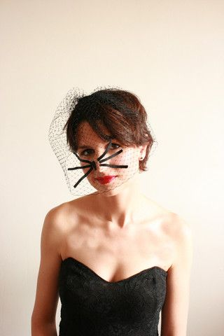 'Gatito', cute and quirky whiskers on a netted veil.