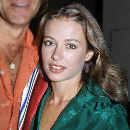Sarah Barg was Glen's second wife, who was once married to Mac Davis.