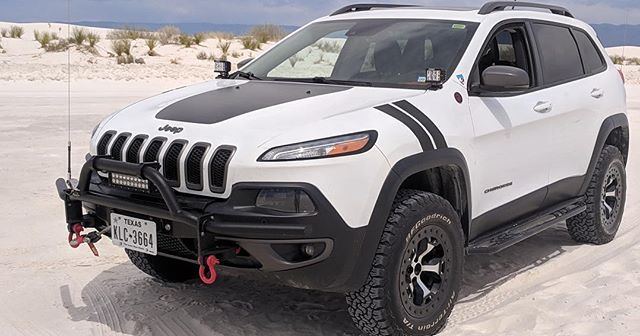 2 Inch Lift Kit 2014 2020 Jeep Cherokee Kl Jeep Cherokee Jeep Cherokee Lift Kits Jeep Trailhawk