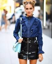 Coolest women denim trends idea (47)