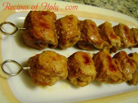 Traditional Italian Veal Braciole Skewers (Spiedini di Braciole di Vitello) | Enjoy this authentic Italian recipe from our kitchen to yours. Buon Appetito!